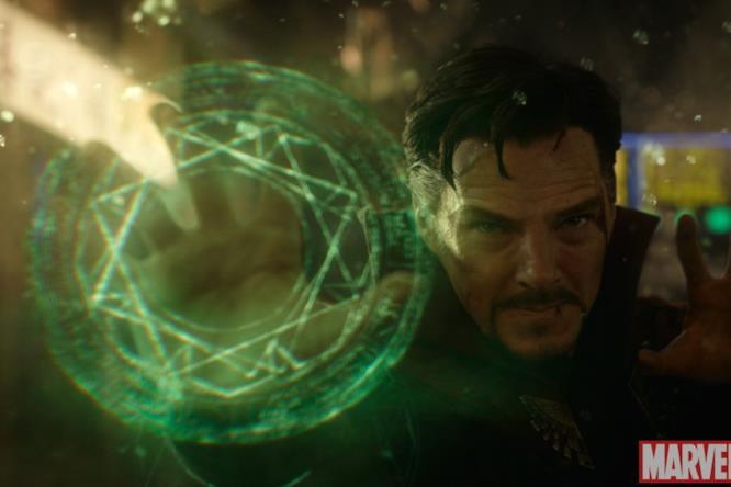 Doctor Strange usa la magia