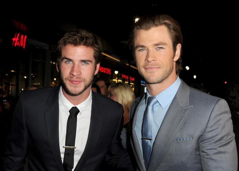 L'attore Chris Hemsworth, interprete di Thor, con il fratello Liam