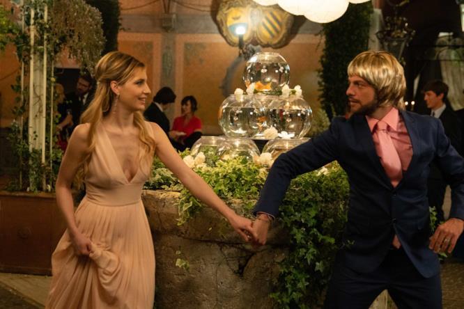 Uno sguardo, e Romolo Montacchi si innamora della sua Giuly Copulati