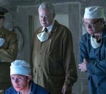 Ralph Ineson, Mark Bagnall, Stellan Skarsgård e Jared Harris in una scena della serie TV Chernobyl