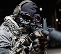 Primo piano su un cecchino di Call of Duty Ghosts