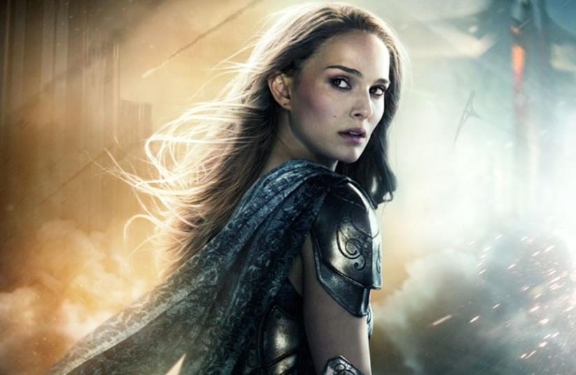 Un mezzobusto di Natalie Portman come Jane Foster nel poster di Thor: The Dark World