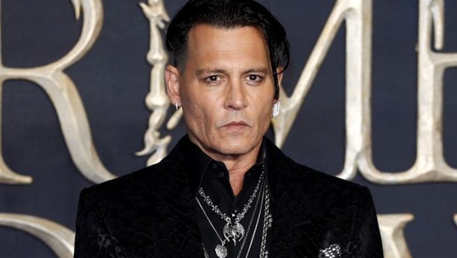 Johnny Depp alla prima di Animali Fantastici - I crimini di Grindelwald