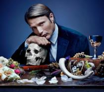 Il personaggio Hannibal Lecter interpretato da Mads Mikkelsen nella serie TV Hannibal