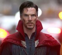 Benedict Cumberbatch è Doctor Strange sul set del film Marvel