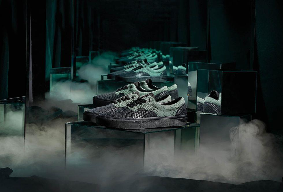 Le nuove scarpe Vans in pelle verde e nera ispirate a Serpeverde