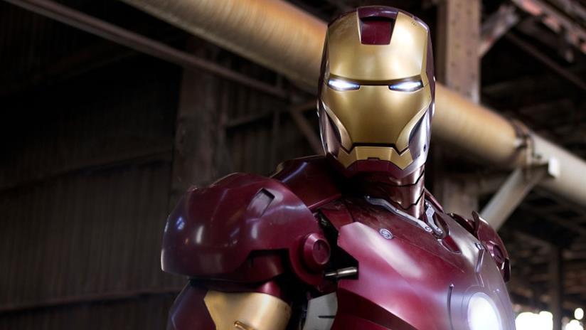 Un primo piano di Iron Man nel film originale del 2008.