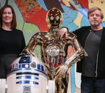 Kathleen Kennedy e Mark Hamill con C-3PO e R2-D2