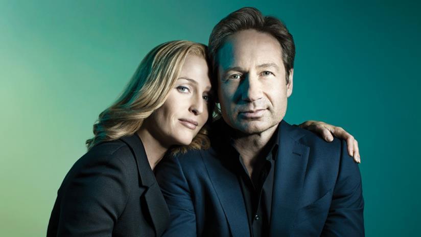 Un'immagine promozionale della nuova stagione di X-Files con Mulder e Scully