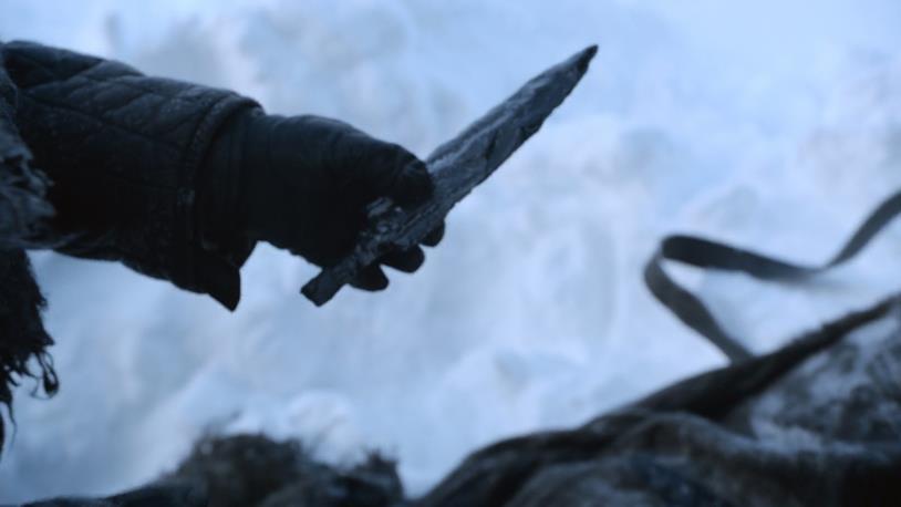 Un'immagine di Game of Thrones con al centro il Vetro di Drago