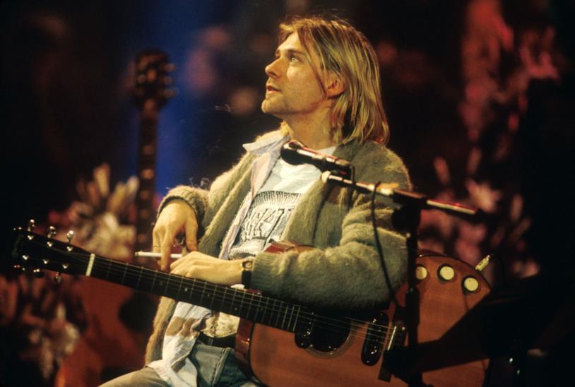 Kurt Cobain durante il concerto MTV Unplugged 1993