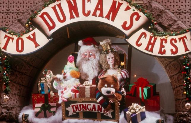 il negozio di giocattoli Duncan's Toy Chest di Mamma, ho Riperso l'Aereo: mi Sono Smarrito a New York.