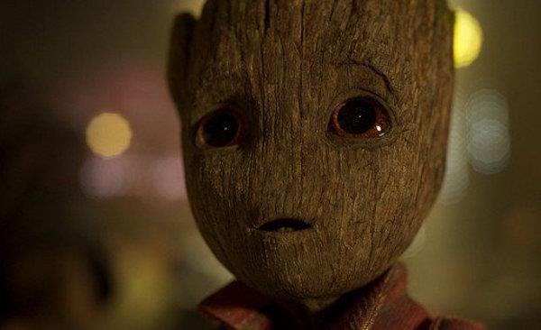 Una scena di Groot nel film I Guardiani della Galassia 2