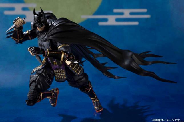 La SH Figuarts Action Figure della versione di Batman presente nel film d'animazione Batman Ninja