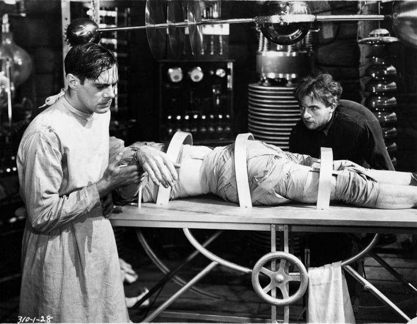 Una scena di Frankenstein del 1931