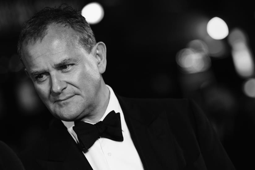 L'attore Hugh Bonneville in una foto bianco e nero