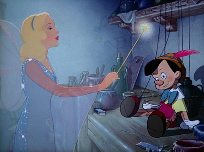 La famosa scena in cui la Fata Madrina da vita al piccolo burattino Pinocchio.