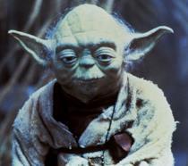 Yoda in una scena del film L'Impero colpisce ancora