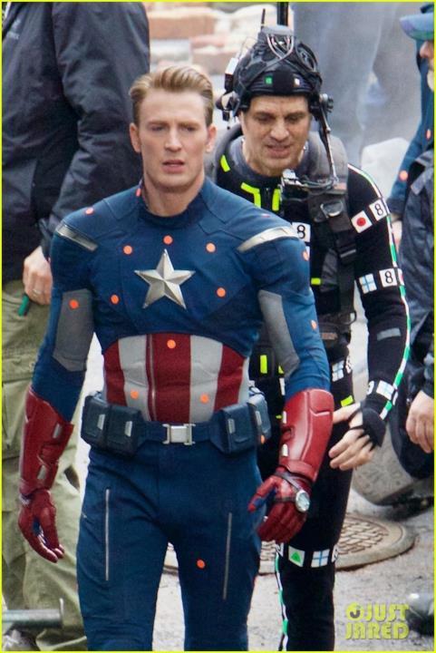 Chris Evans è Captain America sul set di Avengers 4