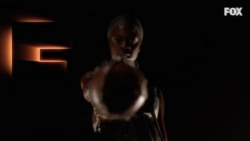 Michonne con la mazza di Negan Lucille