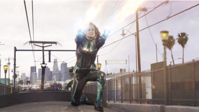 Brie Larson è Captain Marvel in una scena del film