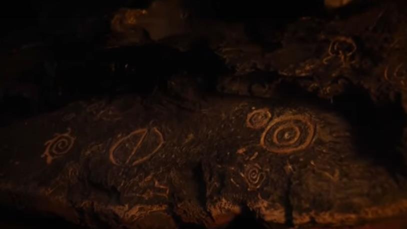 GoT 7: il simbolo del Night King nella caverna sotto a Roccia del Drago