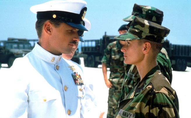 Viggo Mortensen e Demi Moore in una scena di Soldato Jane