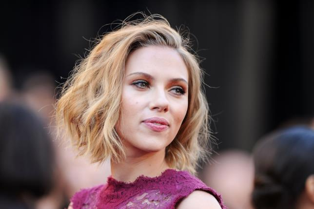 Scarlett Johansson in primo piano