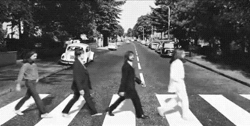 GIF dei Beatles sulle strisce pedonali
