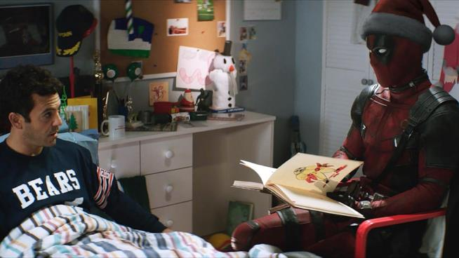 Fred Savage e Deadpool in una scena dal film C'era una volta Deadpool