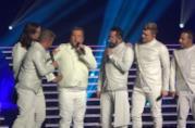 James Corden e i Backstreet Boys sul palco a Las Vegas