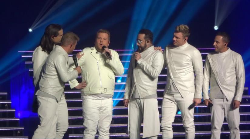James Corden e i Backstreet Boys sul palco a Las Vegas