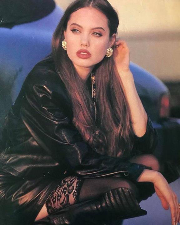 Angelina Jolie da giovane