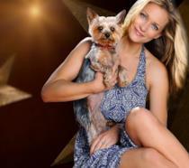 A.J. Cook, star di Criminal Minds, e la sua adorata cagnolina Zara