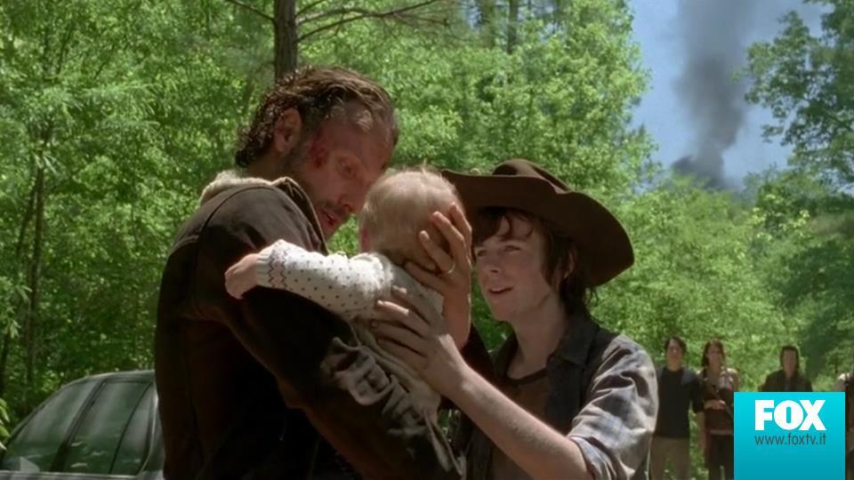 5.01: Dopo la fuga da Terminus, Carl e Rick ritrovano la piccola Judith. Noi ci siamo commossi, e siamo sicuri anche a voi.