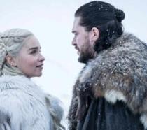 Daenerys e Jon in un'immagine dall'ottava stagione di Game of Thrones