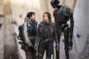 Rogue One: Diego Luna e Felicity Jones in una scena