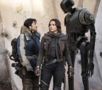 Rogue One: Diego Luna e Felicity Jones in una scena