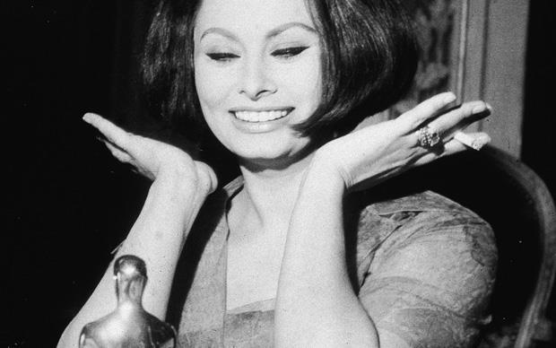 """Sophia Loren e l'Oscar come Miglior Attrice Protagonista per """"La Ciociara"""""""