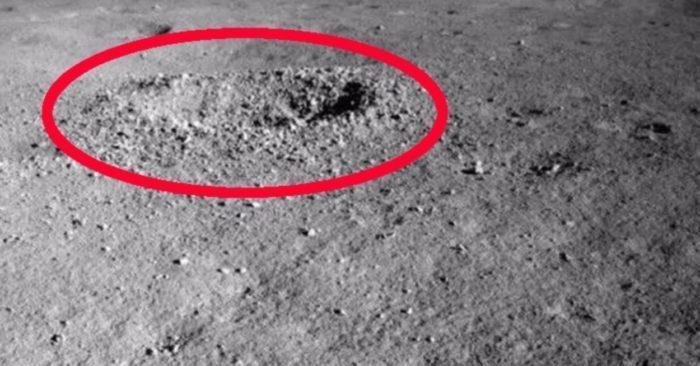 """Il cratere situato a livello del """"lato oscuro della Luna"""" dove è stata scovata la misteriosa sostanza gelatinosa"""