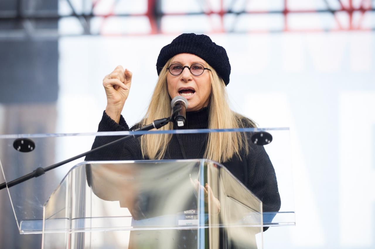 Barbra Streisand tiene il suo discorso durante la Women's March