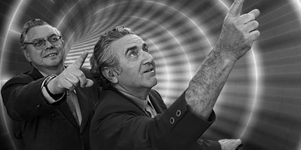 Mezzibusti di Jerry Siegel e Joe Shuster (dietro con gli occhiali), che indicano il cielo