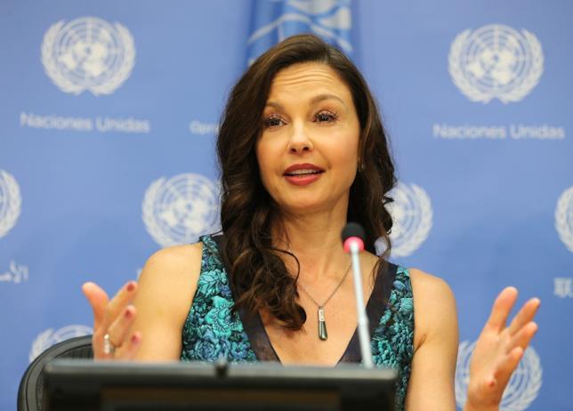 Ashley Judd vs Harvey Weinstein