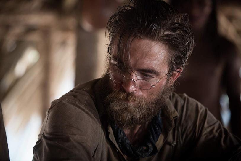 Robert Pattinson in una scena del film Civiltà perduta