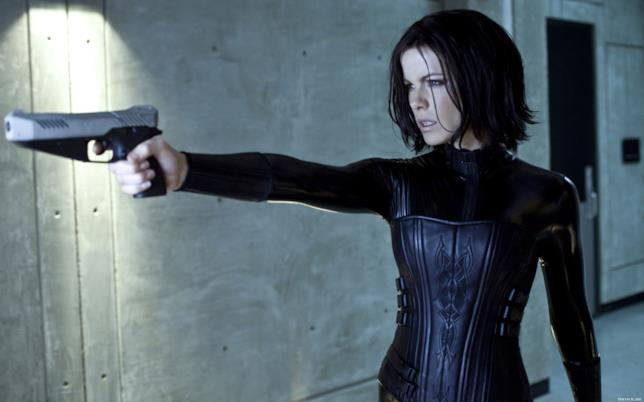 Kate Beckinsale interpretata Selene, la vampira cacciatrice di licantropi