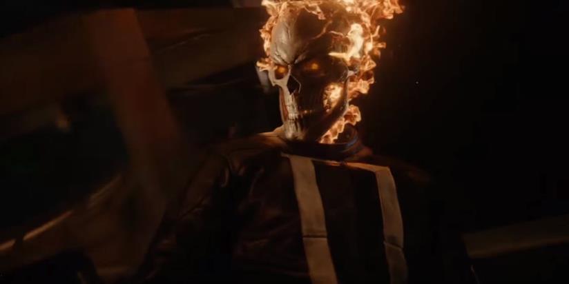 Ghost Rider con il teschio infuocato e gli occhi rossi