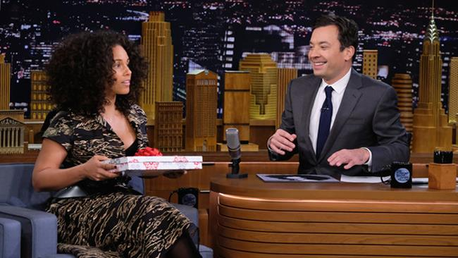 Alicia Keys ospite da Jimmy Fallon