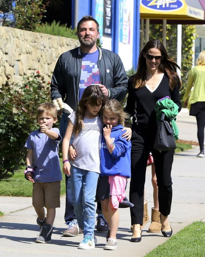 Uno scatto di Jennifer Garner e Ben Affleck con i loro bambini