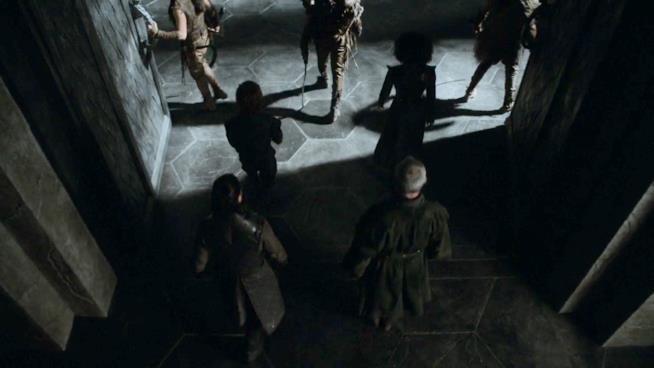 Jon e Davos scortati a Dragonstone in Game of Thrones 7x03
