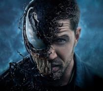 L'attore Tom Hardy ha metà volto ricoperto dal simbionte Venom